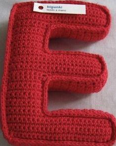 Crochet Gratis, Crochet Wool, Crochet Cushions, Love Crochet, Crochet Baby, Crochet Alphabet, Crochet Letters, Crochet Classes, Crochet Projects