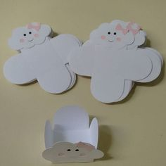 Discover thousands of images about Onde vai ficar seu docinho! Cloud Party, Baby Shower Deco, Diy And Crafts, Paper Crafts, Baby Shawer, Diy Gift Box, Ideas Para Fiestas, Unicorn Party, Kids And Parenting