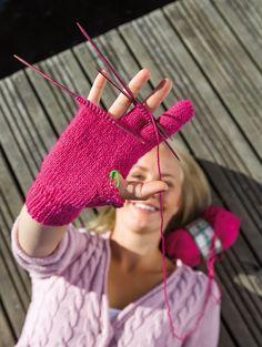 For Your Legs, Stick O, Textiles, Mitten Gloves, Hand Warmers, Handicraft, Fingerless Gloves, Needlework, Knit Crochet