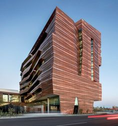 Sculptural Arizona research building takes cues from desert topography