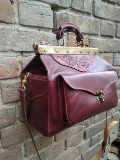 57c2c8f224a8 38 лучших изображений доски «саквояж» | Briefcases, Leather и ...