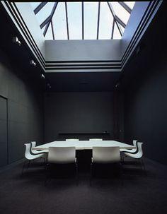 Lella & Massimo Vignelli – Massimo Vignelli (b. 1931 Milano) – Lella Vignelli (née Valle b. 1936 Udine)  | Conference Room | Vignelli Associates, 475 Tenth Avenue, 14th Floor, New York | c. 1985