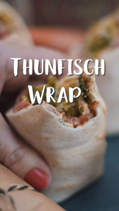 Thunfisch-Wraps Wrap it, baby! Delicious wraps with tuna ? Our colleague Jessica tried these tuna Baby Food Recipes, Dinner Recipes, Healthy Recipes, Tuna Wrap, Food Design, Finger Foods, Food Videos, Food And Drink, Healthy Eating