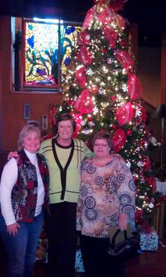 Pat Summit and friends had an early Christmas lunch at Calhoun's on the River!