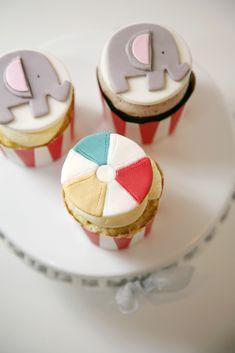 circus birthday cupcakes - elephants