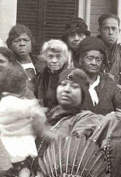 Historic Iroquois and Wabanaki Beadwork: An Intriguing Narragansett & Wampanoag Image from 1925