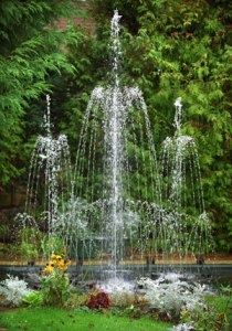 Garden Fountains-This would be fun in a pool.