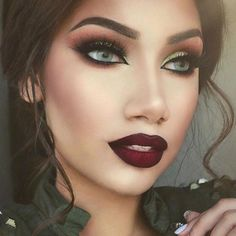 """@makeupbyalinna is the epitome of Fall glam with this vampy lip, defined contour and Morphe gel liner on her sultry eyes!  follow our #morphegirl"""
