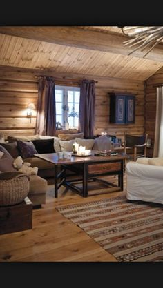 Fina väggar och golv Log Cabin Living, Log Cabin Homes, Log Home Interiors, Cottage Interiors, Simply Home, Cozy House, Sweet Home, House Design, Decoration