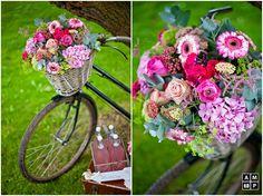 Vintage bike wedding decoration