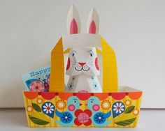 Download and fold up this adorable Easter printable today. #etsy #DIY