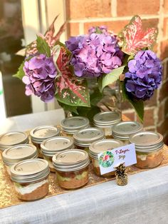 Mini mason jars for dip so you can keep the flies off your food for an outdoor buffet! Summer Party Themes, Summer Parties, Party Ideas, Hawiian Party, Diy Party Crafts, Hot Wheels Party, Mini Mason Jars, Party Pops, Flamingo Party