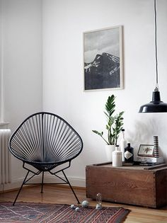 love this minimal chair