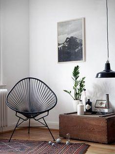 Simple interior with a vintage twist