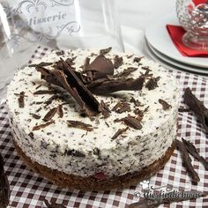 Stracciatella cake with cherries and delicious sponge cake - Baking ideas birthday cake quark cakes - Delicious Cookie Recipes, Yummy Cookies, Cheesecake, Brownie Desserts, Cooking Light, Food 52, Holiday Baking, Coffee Cake, Clean Eating Snacks