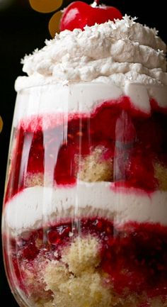 "New Year's Eve ""Party In A Glass"" Parfait"