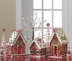 I'm In Gingerbread Heaven!  More from the RAZ Cookie Confections Christmas decoration collection