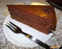 Výborná a jednoduchá Sacherova torta Banana Bread, Desserts, Cakes, Food, Tailgate Desserts, Deserts, Cake Makers, Kuchen, Essen