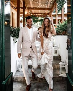Backyard wedding glamour with our beautiful #Rhiannon Galia Lahav wedding dress made of crochet beaded lace and vintage rose pattern taking centre stage. Image: Tali Photography