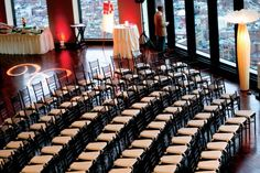 Lovely seating for this city wedding #StateRoom #LongwoodVenues #Boston #BostonWedding #Weddings