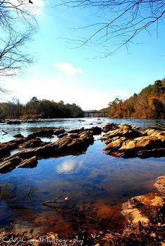Atlanta's River ... the long-running, historic Chattahoochee River at the I-75 bridge - Atlanta, GA