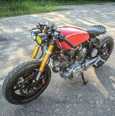 Virago XV750 single saddle cafe racer by @petersdogcycles