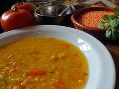 Masoor Dal - sopa india de lentejas rojas :: recetas veganas recetas vegetarianas :: Vegetarianismo.net Indian Food Recipes, Vegan Recipes, Ethnic Recipes, Good Food, Yummy Food, Tasty, Masoor Dal, Food Hacks, Yummy Treats