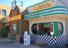 Route 66 Malt Shop – Albuquerque, New Mexico. Another on my bucket list - PBB! Route 66 Road Trip, Travel Route, Travel Usa, New Mexico Style, New Mexico Homes, Grand Canyon, Travel New Mexico, Holidays To Mexico, Historic Route 66