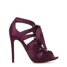 I love these shoes!!!!! Plum, satin, heels! (Viktoria)