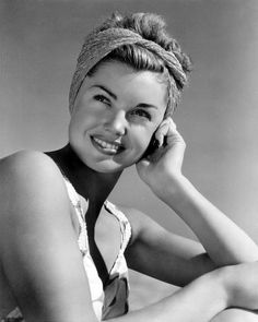 esther williams wearing a headscarf | 1946 | #vintage #1940s #hair #fashion
