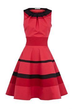 Elegant stripe dress_Dresses(d)_DESIGNER_Voguec Shop