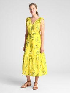 Sleeveless Floral V-Neck Tiered Midi Dress