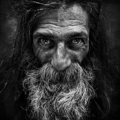 Lost Angels – Des portraits poignants pour rendre hommage aux sans-abris (image)