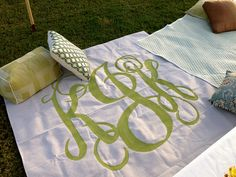 picnic blankets from dropcloths and DIY projector/monogram