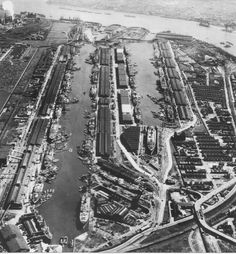 In Photos: London in 1950 Vintage London, Old London, London City, Hull England, London England, London Docklands, East End London, Isle Of Dogs