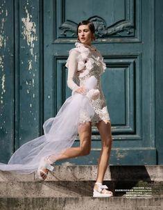 11 Whimsical Wedding Looks For The Non-Traditional Bride Whimsical Dress, Whimsical Wedding, Vogue Bride, Quirky Fashion, Style Fashion, White Fashion, Alternative Bride, Traditional Wedding Dresses, Nontraditional Wedding