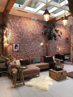 Industrial Home Inspiration // Jellina Interior The Perfect Scandinavian Style Home Industrial Interior Design, Industrial House, Home Interior Design, Loft Interior, Brick Interior, Interior Livingroom, Kitchen Interior, Design Loft, House Design