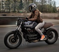 "625 Likes, 2 Comments - Cafe Racers (@caferacer_top) on Instagram: ""Beautiful BMW K100 #caferacertop #caferacer #caferacers #caferacerbuilds #caferacerstyle…"""
