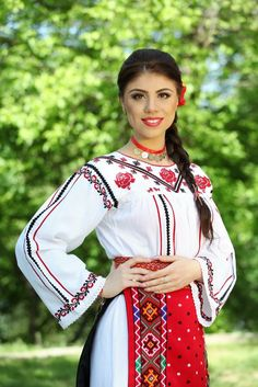Popular Folk Embroidery Costum popular Romanesc din Dobrogea Traditional Romanian costume from Dobrogea Folk Embroidery, Embroidery Patterns, Young Frankenstein, Traditional Outfits, Popular, Elegant, Moldova, Folklore, Clothes