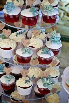 15 The Best Cactus Wedding Ideas You Can Copy - Fashiotopia Heart Wedding Cakes, Floral Wedding Cakes, Amazing Wedding Cakes, Fall Wedding Cakes, Wedding Cakes With Cupcakes, Cupcake Cakes, Wedding Ideas, Wedding Gifts, Wedding Desert