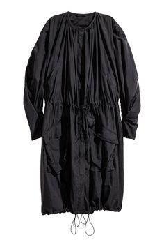 A . H&M Black Skirt, Mango Pinky Sweat, H&M Parka Kaki