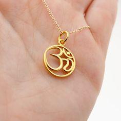 Ganesh Pendant, Om Pendant, Pendant Jewelry, Gold Bangles Design, Gold Earrings Designs, Gold Jewellery Design, Om Necklace, Gold Bridal Earrings, Rakhi