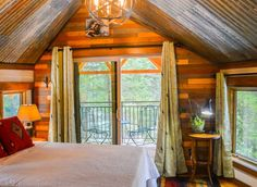 Meadowlark Treehouse at Montana Treehouse Retreat - Treehouses for Rent in Columbia Falls, Montana, United States Treehouse Vacations, Treehouse Cabins, Treehouses, Treehouse Ideas, Columbia Falls, Tree House Designs, Home Buying Tips, Home Depot, Montana