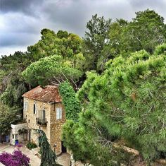 LEBANON, A VERY NICE HOME IN ROUMIEH