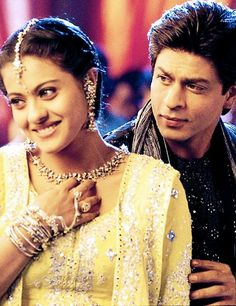 Image shared by Tuğçe. Find images and videos about bollywood, shahrukh khan and shah rukh khan on We Heart It - the app to get lost in what you love. Kuch Kuch Hota Hai, Bollywood Stars, Bollywood Couples, Bollywood Fashion, Bollywood Makeup, Indian Celebrities, Bollywood Celebrities, Bollywood Actress, Celebrities Fashion