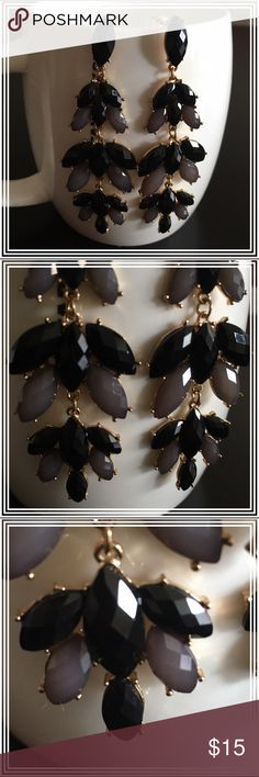 """Black and gray chandelier dangling earrings NWT earrings (temporarily removed from tag to take pictures), this gorgeous piece is approx. 3.25"""" long and bounces light off its delicate cut stones to really sparkle! The setting is gold tone, and the backs of the earrings are plastic and/or rubber disks. Boutique Jewelry Earrings"""