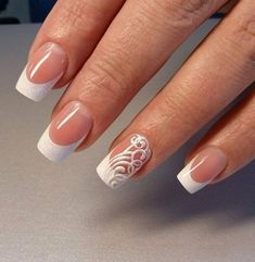 All girls like beautiful nails. The first thing we notice is nails. Therefore, we need to take good care of the reasons for nails. We always remember the person with the incredible nails. Instead, we don't care about the worst nails. French Manicure Nails, French Tip Nails, My Nails, Fingernails Painted, French Tip Nail Designs, American Nails, Nagellack Trends, Wedding Nails Design, Beach Wedding Nails