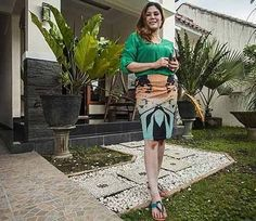 An advert for a house in Indonesia has gone viral online after the woman selling it offered to throw in an unusual extra feature for free - her hand in marriage. Real Estate Information, Bangla News, International News, Home Buying, Two Piece Skirt Set, Lady, World, Stuff To Buy, Buy House