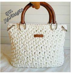Marvelous Crochet A Shell Stitch Purse Bag Ideas. Wonderful Crochet A Shell Stitch Purse Bag Ideas. Crotchet Bags, Bag Crochet, Crochet Shell Stitch, Chunky Crochet, Crochet Handbags, Crochet Purses, Knitted Bags, Macrame Purse, Crochet Purse Patterns