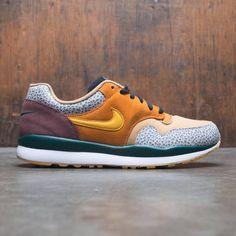 5db984e0b1ac5a Nike Men Air Safari Se (monarch   yellow ochre-flax-mahogany mink)